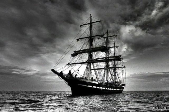 4 страшные истории о кораблях-призраках (5 фото)