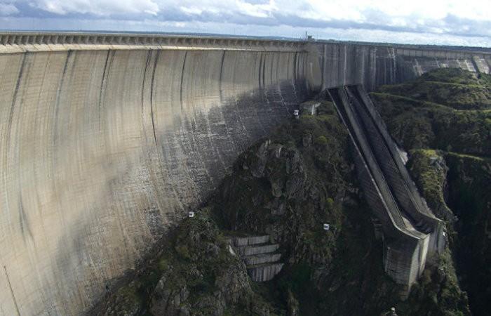 Самые красивые плотины из разных уголков Земли