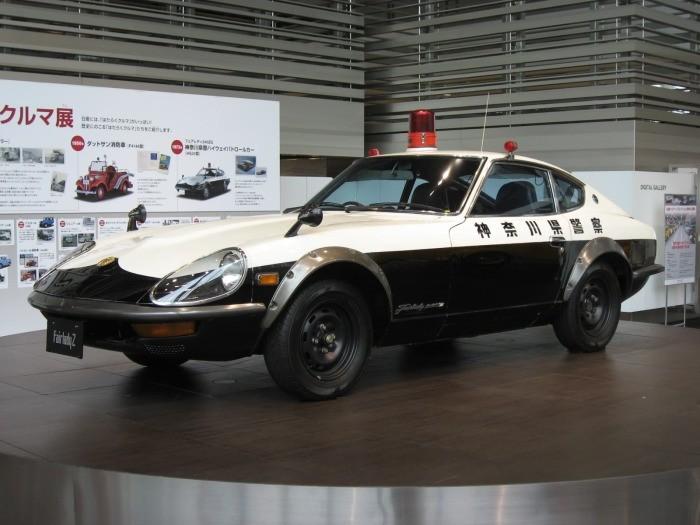 Автомобили японских полицейских