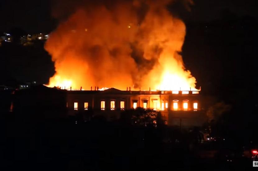 В Бразилии сгорел крупнейший музей, хранящий более 20 млн. реликвий