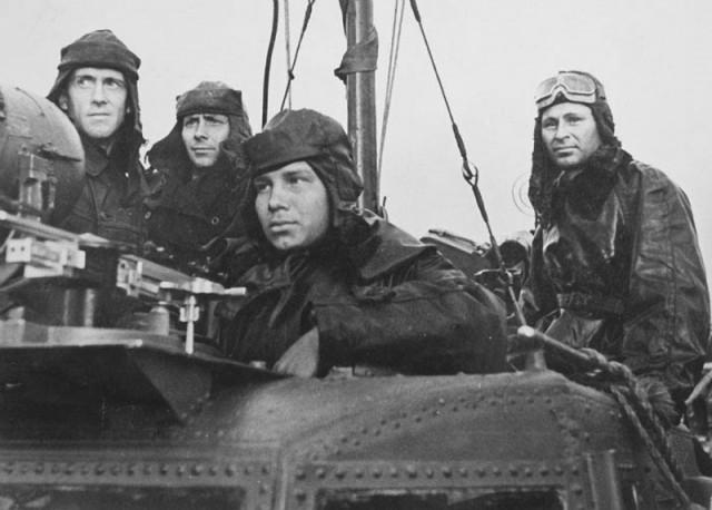 Исторические фото моряков и судов Второй мировой войны (25 фото)