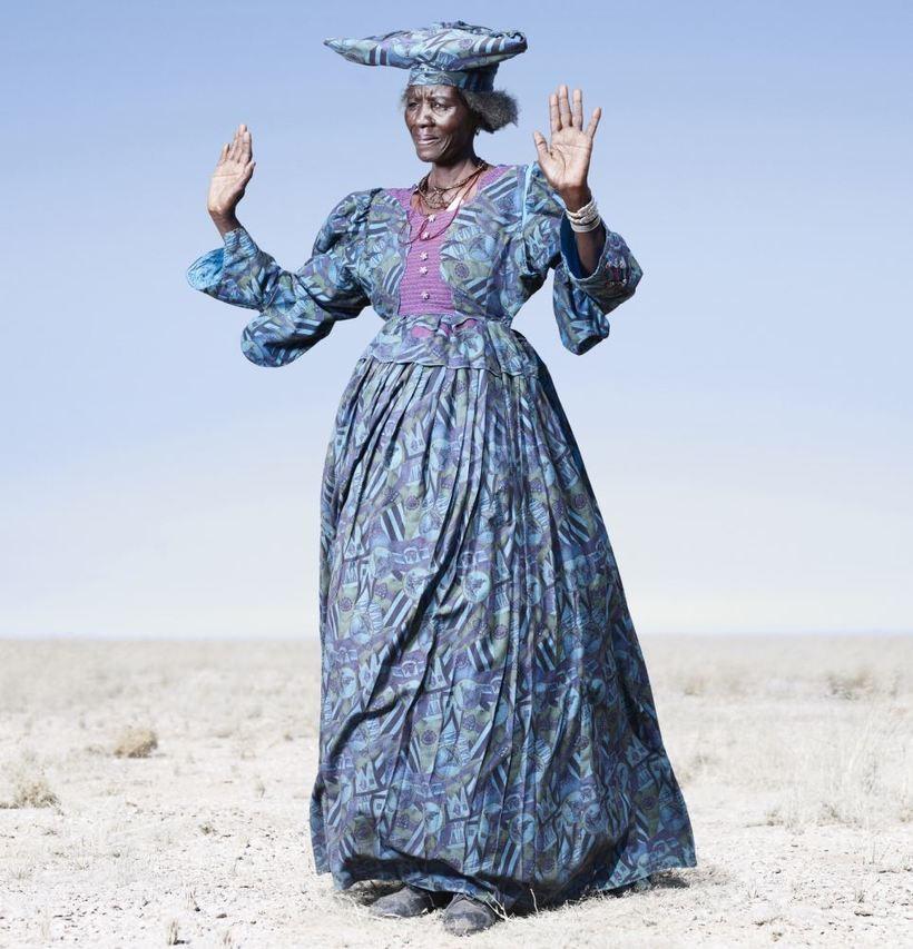 Почему облик африканских женщин гереро разительно отличается от соседних народов