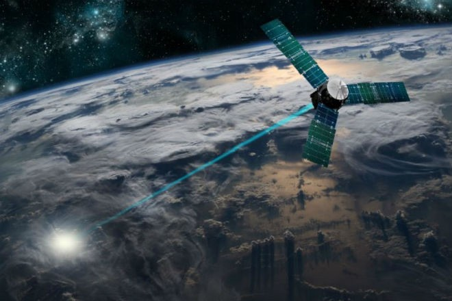 SpaceX выведет боевые лазеры США на орбиту