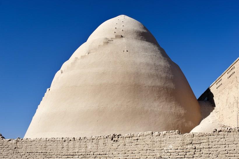 Персы получали лёд в пустыне и хранили его летом