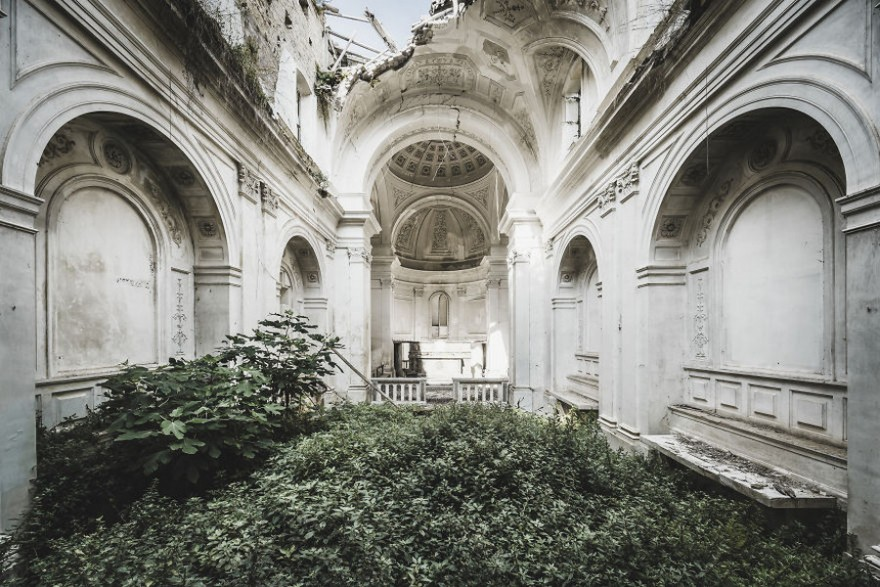 Здания, покинутые человеком в фотографиях Саймона Йонга