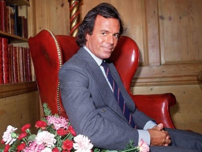 Хулио Иглесиасу исполнилось 75 лет