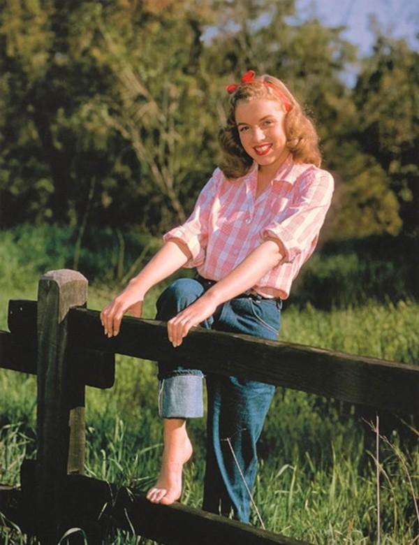 Фотографии 19-летней Мэрилин Монро (13 фото)