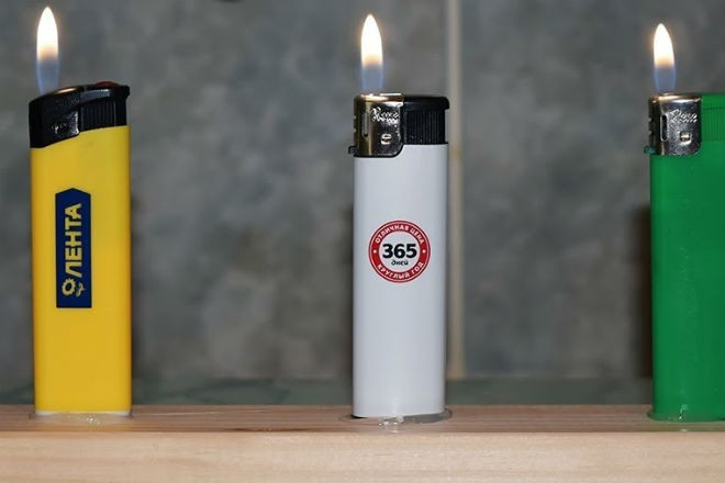 Сколько времени может гореть зажигалка пока не перегреется