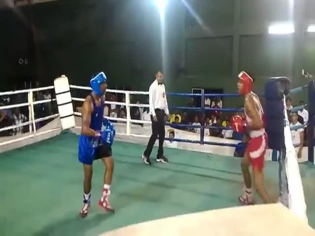 Боксерский поединок с неожиданным финалом