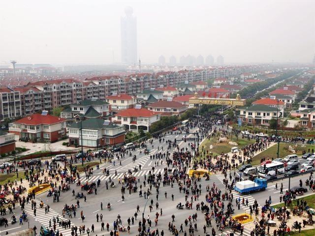 Хуаси – китайская деревня миллионеров (7 фото)
