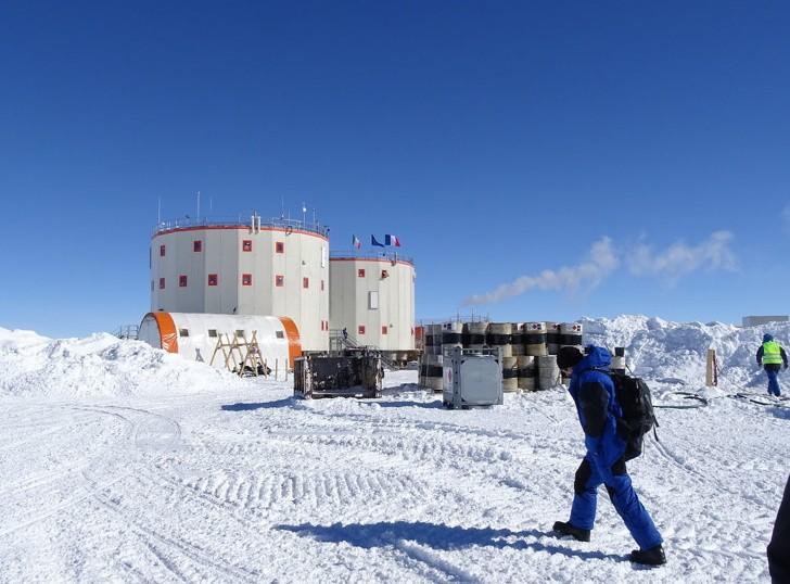 Как живут люди в Антарктиде (−80° и нельзя писать в душе)