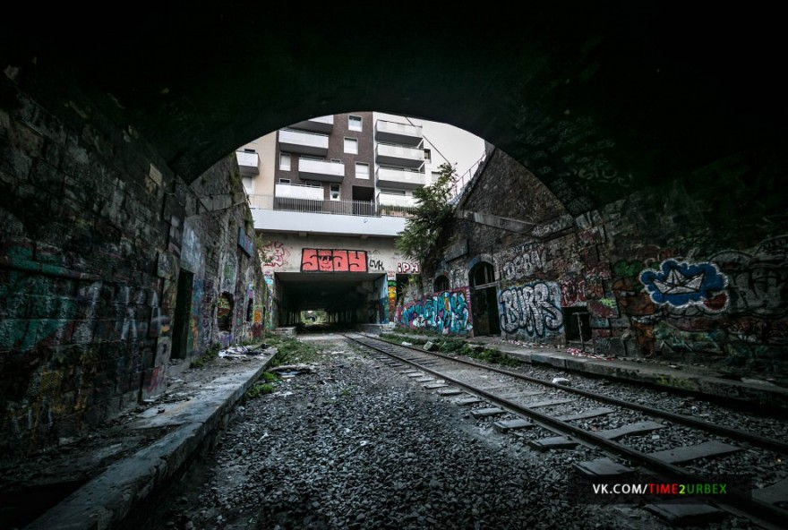 Заброшенная железнодорожная линия в центре Парижа