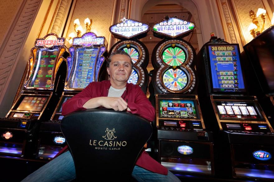 Роскошное казино Монте-Карло в Монако