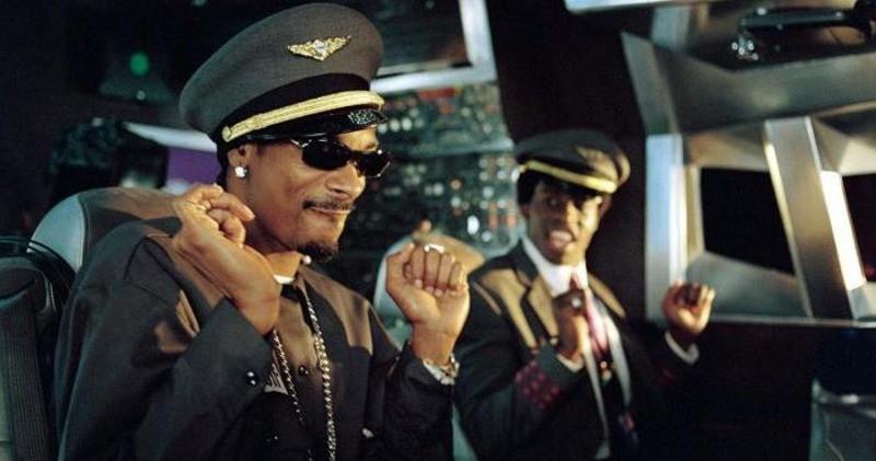 «Пилоты вас не слышат»: Стоит ли аплодировать пилотам при посадке самолета?