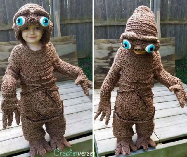 Креативные костюмы на Хэллоуин, связанные крючком (8 фото)