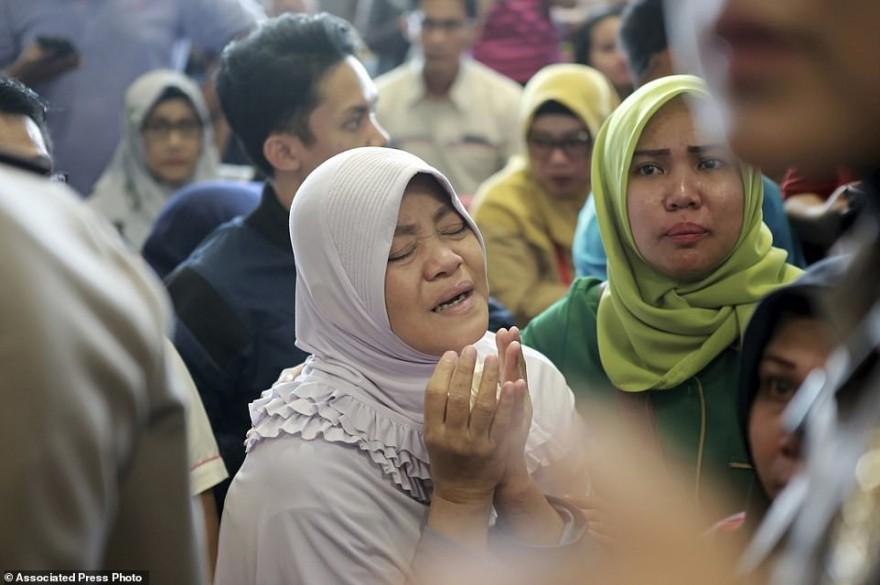 В Индонезии разбился самолет