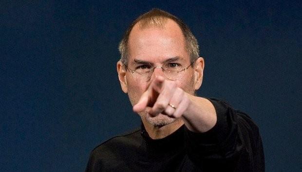 Три тактических приема манипуляции людьми от Стива Джобса