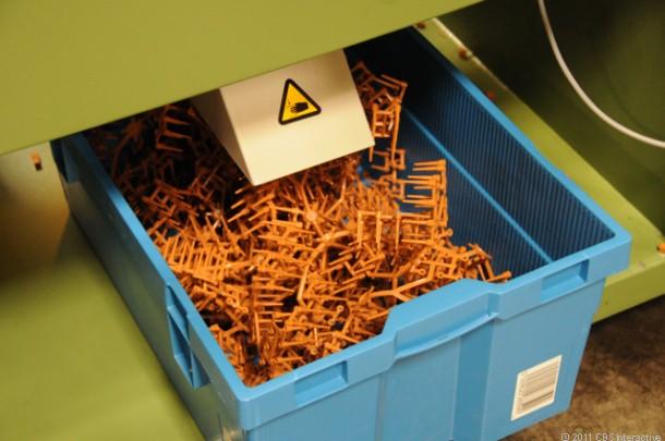 Как производят известный конструктор «Lego»