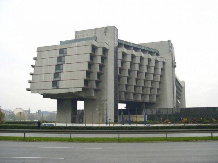 7 неоднозначных советских построек