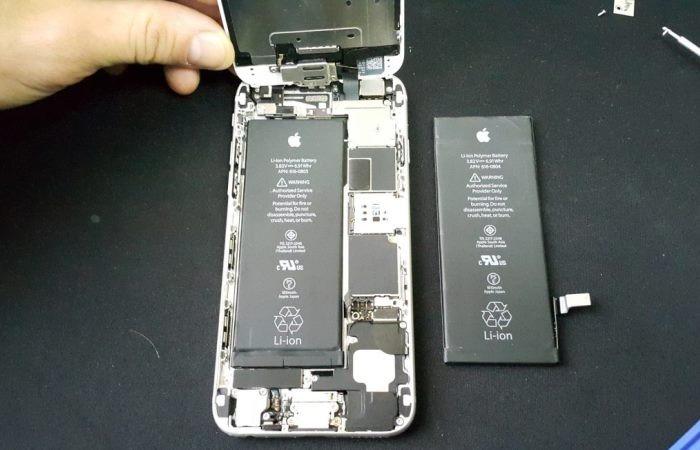 Во всех iPhone 6 и более поздних версиях Apple заменит батарею почти даром