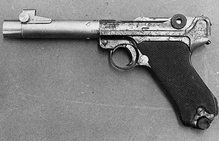 Необычный пистолет с семью крошечными пулями в стволе, и для чего он должен был использоваться