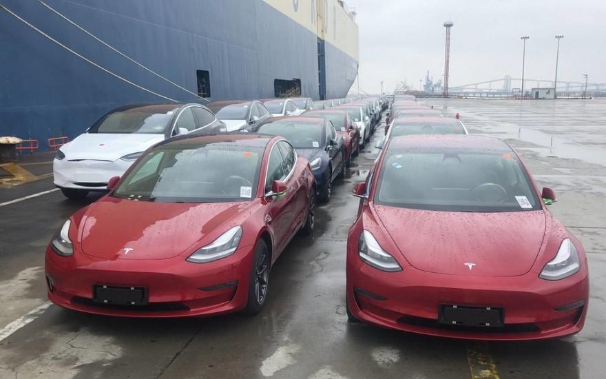 Автомобиль Tesla не будет продаваться в магазинах