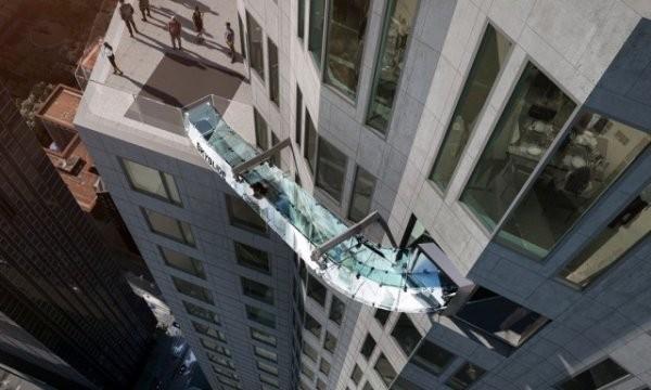 Экстремальный аттракцион на небоскребе в Лос-Анджелесе
