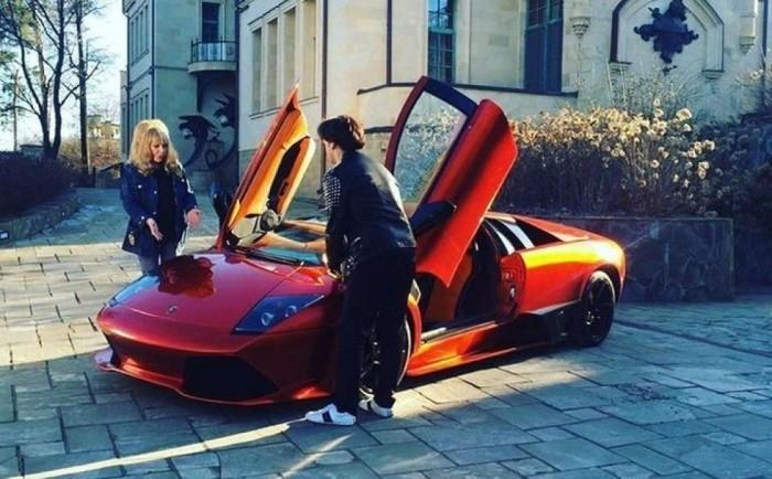 Автомобили, на которых ездят Максим Галкин и Алла Пугачева