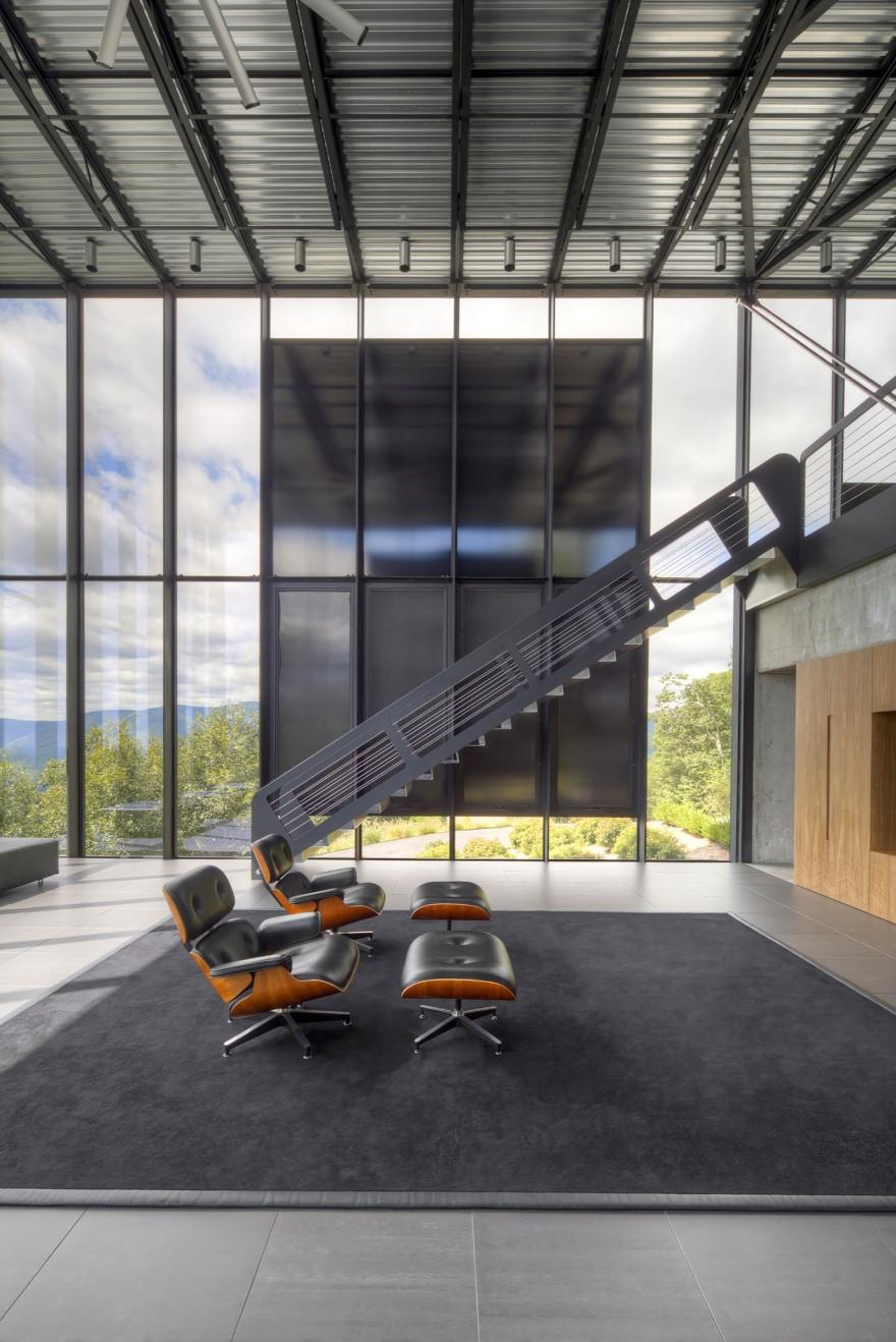 Дом из стекла, стали и бетона в штате Нью-Йорк
