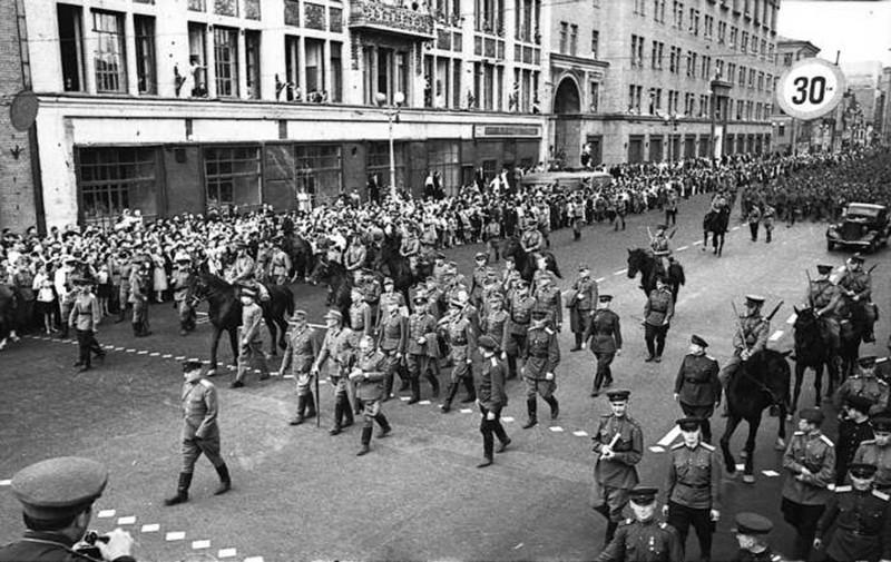 Операция «Большой вальс»: как пленных немцев водили по Москве