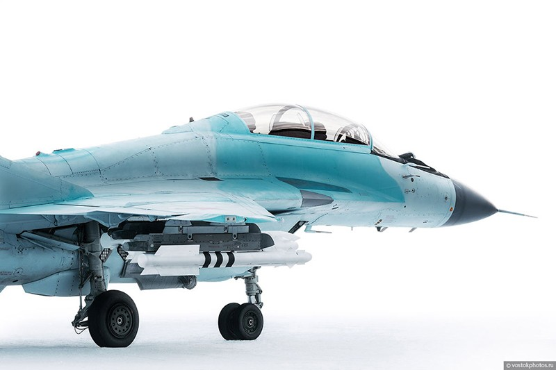 Истребитель МиГ-35 в объективе