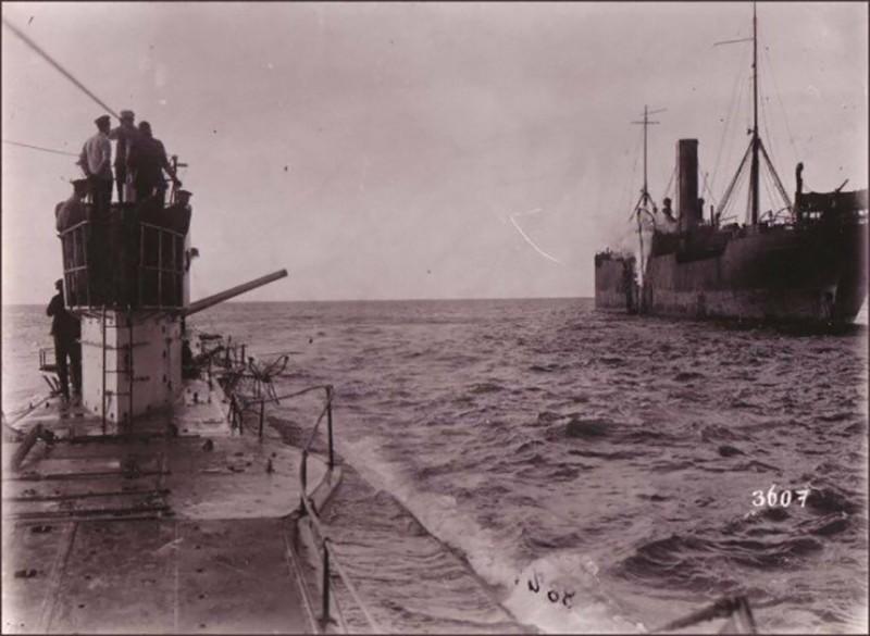 Для чего были нужны пушки на подводных лодках?